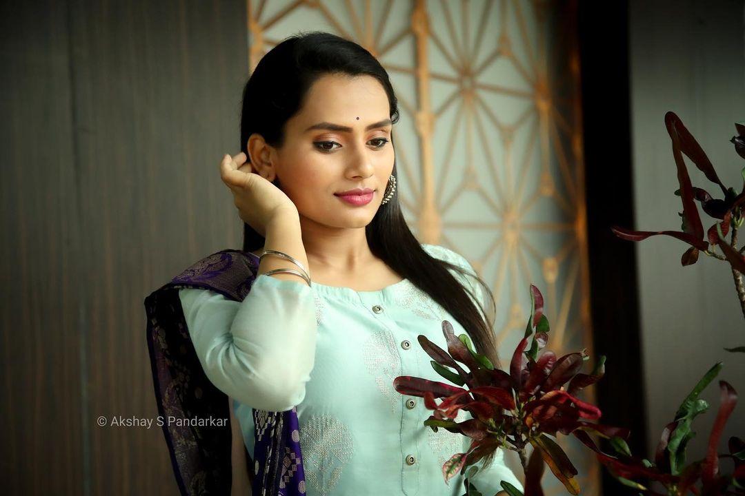 Shweta Kharat Marathi Actres Wiki Photos